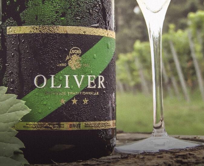 Oliver: fijn bubbelende en delicate wijn uit Wijnegem